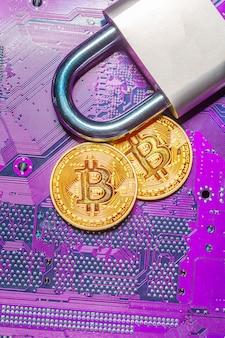 Bitcoin de ouro e cadeado