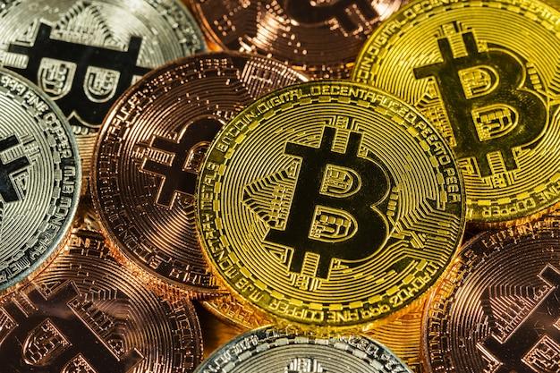 Bitcoin de ouro físico com criptomoeda