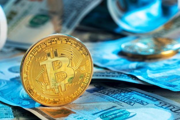 Bitcoin e dólar