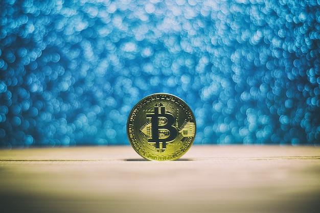 Bitcoin em um lindo fundo brilhante de madeira