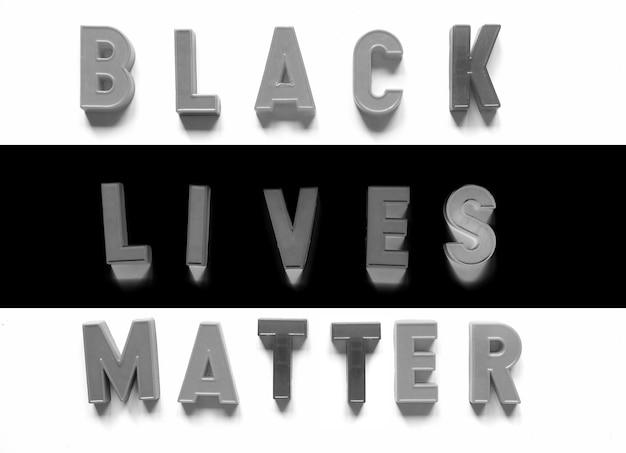 Black lives matter escrito com letras magnéticas
