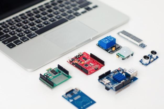 Blindagens eletrônicas para desenvolvimento de dispositivos
