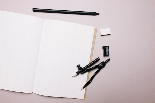 Bloco de notas e material de escritório