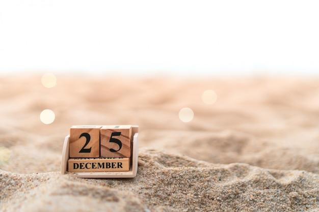 Bloco de tijolos de madeira mostra data e mês calendário de 25 de dezembro ou dia de chritstmas.