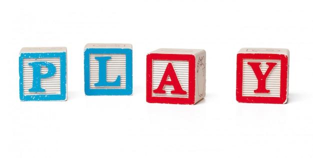Blocos de alfabeto colorido. jogo de palavras isolado
