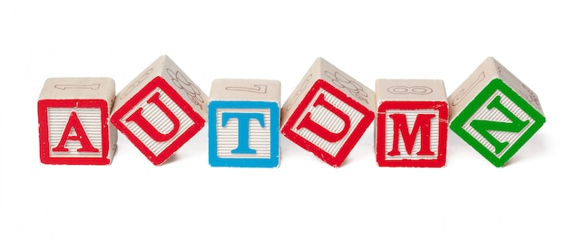 Blocos de alfabeto colorido. outono de palavra isolado