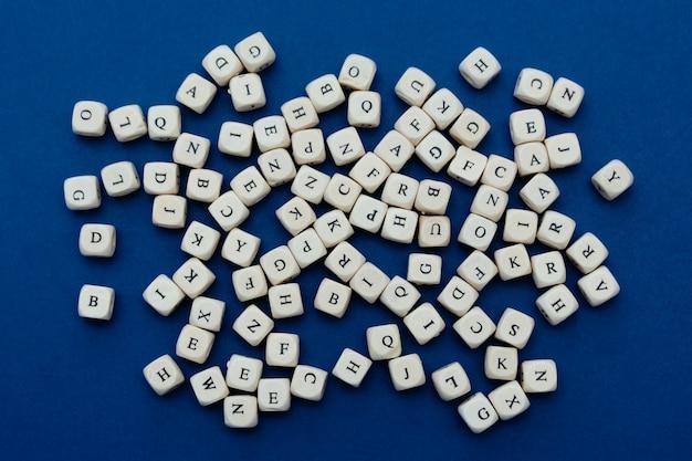 Blocos de letras de madeira