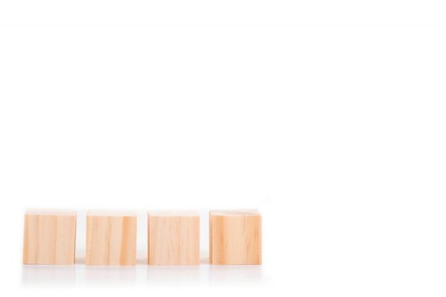 Blocos de madeira isolados