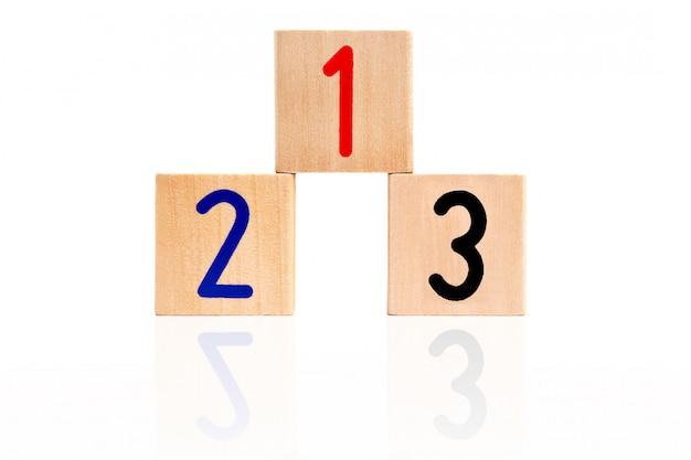 Blocos numéricos de madeira