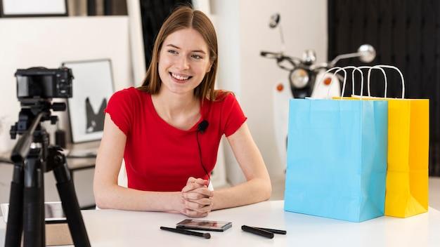Blogger feliz em gravar em casa