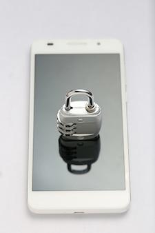 Bloqueio de senha na tela do telefone