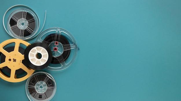 Bobinas de filme de vista superior com espaço de cópia
