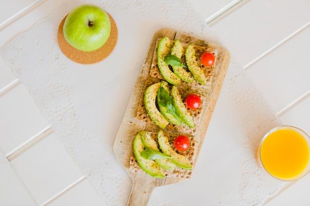 Bocadinhos saudáveis e saudáveis para refeições matinais
