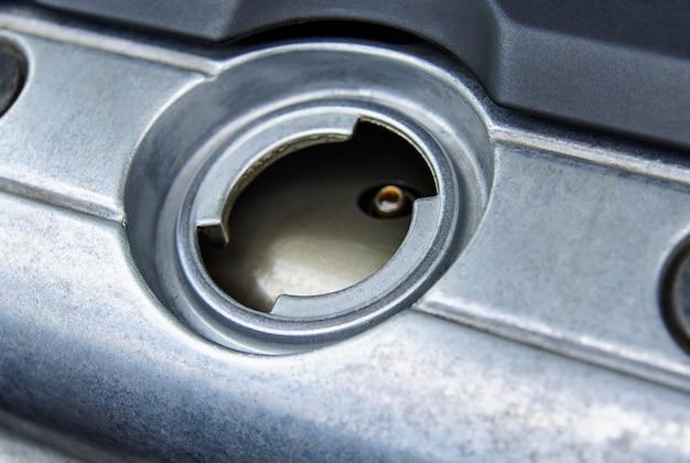 Bocal de enchimento para óleo de motor de carro