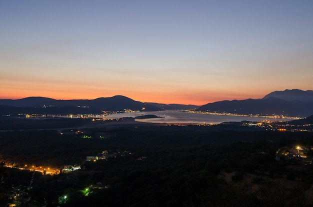 Boka kotorska à noite
