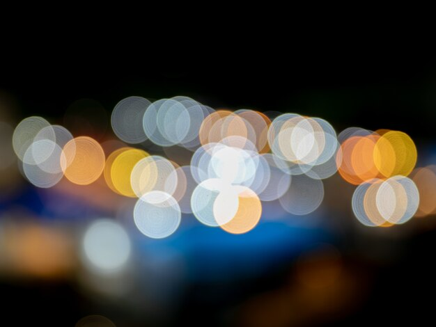 Bokeh de cor vintage em engarrafamento de luz à noite