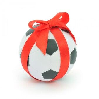 Bola de futebol com fita isolada no fundo branco