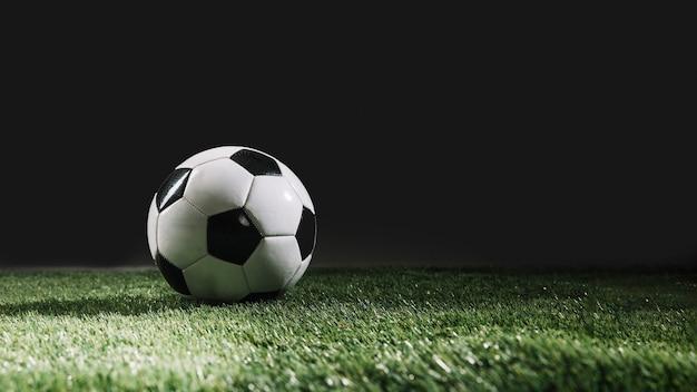 Bola futebol, ligado, relva, capim