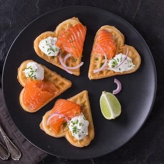 Bolacha com salmão salgado