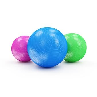 Bolas coloridas de fitness isoladas