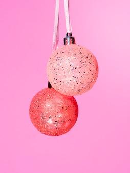 Bolas de decoração colorida de close-up