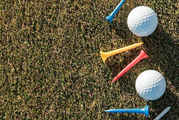 Bolas de golfe com cópia-espaço