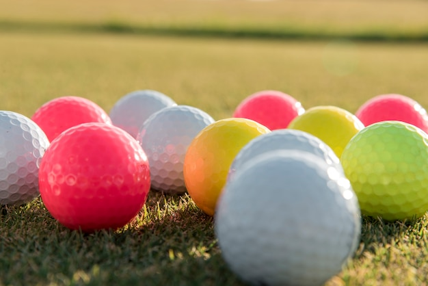 Bolas de golfe em close-up