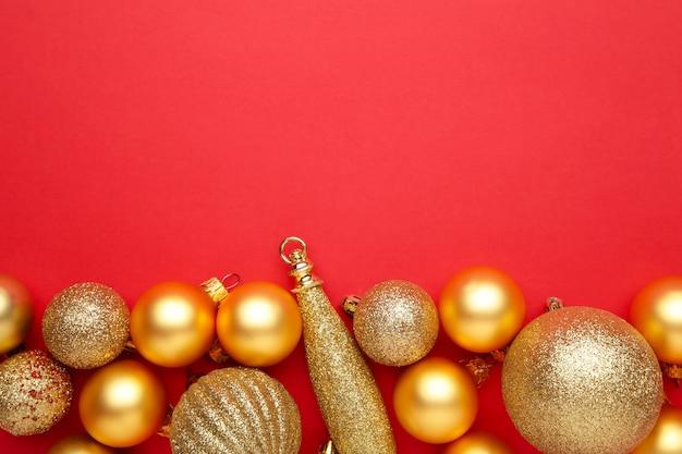 Bolas de natal douradas
