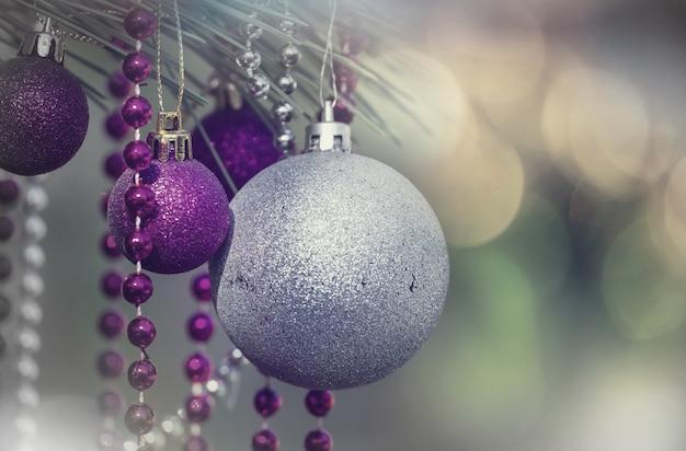 Bolas de natal no fundo do feriado