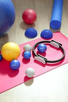 Bolas pilates tonificação estabilidade anel rolo yoga