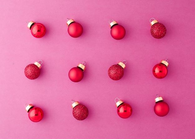 Bolas vermelhas do natal do ornamento