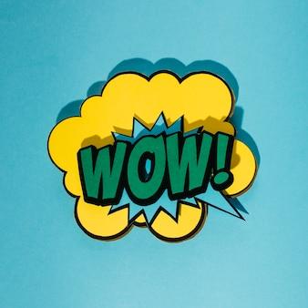 Bolha do discurso com wow texto de expressão sobre fundo azul