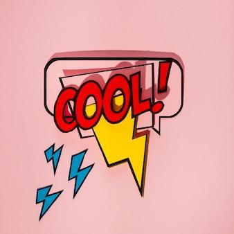 Bolha do discurso em quadrinhos com texto de expressão cool e elemento thunderbolt