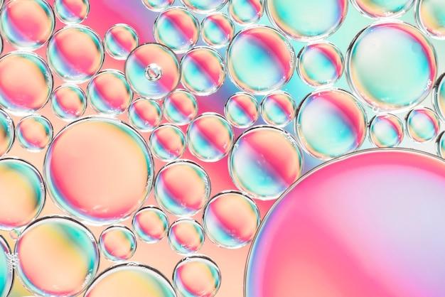 Bolhas brilhantes e gotas vibrantes