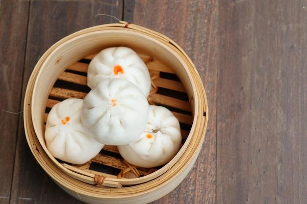 Bolinho chinês cozido no vapor pãezinhos