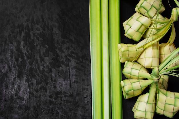 Bolinho de arroz meio verde
