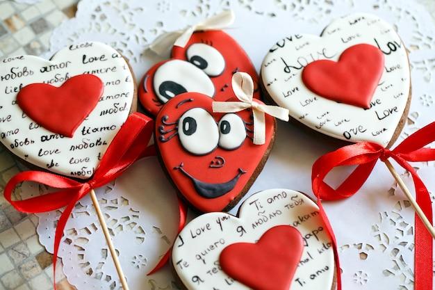 Bolinhos dados forma coração para o dia do valentim.