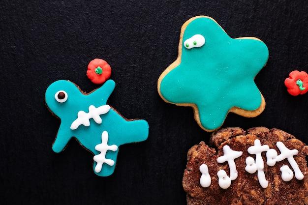 Bolinhos de açúcar extravagantes caseiros do conceito do alimento para o partido ou o feriado do dia das bruxas