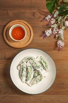 Bolinhos de arroz vietnamita no vapor