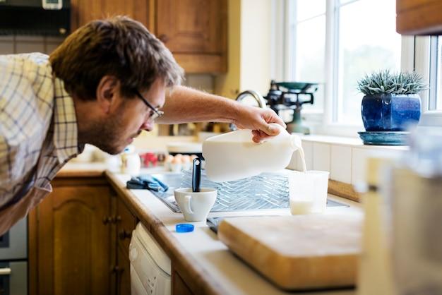 Bolinhos de cozimento em casa atirar