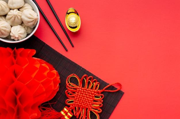 Bolinhos de massa e lanterna ano novo chinês