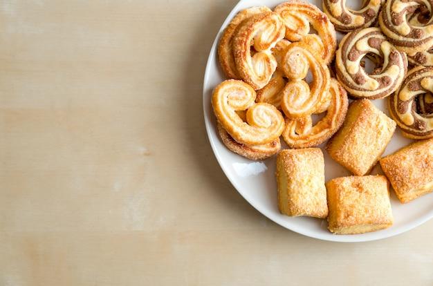 Bolinhos de shortbread no prato