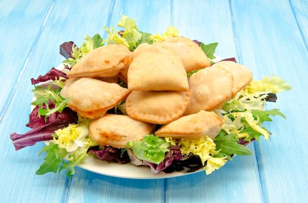 Bolinhos fritos com recheio