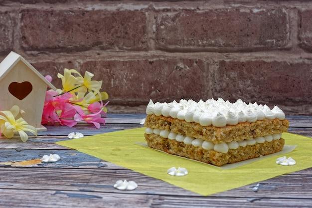 Bolo beija-flor abacaxi banana bolo de especiarias originalmente da jamaica