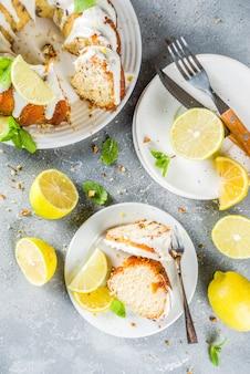 Bolo caseiro de limão