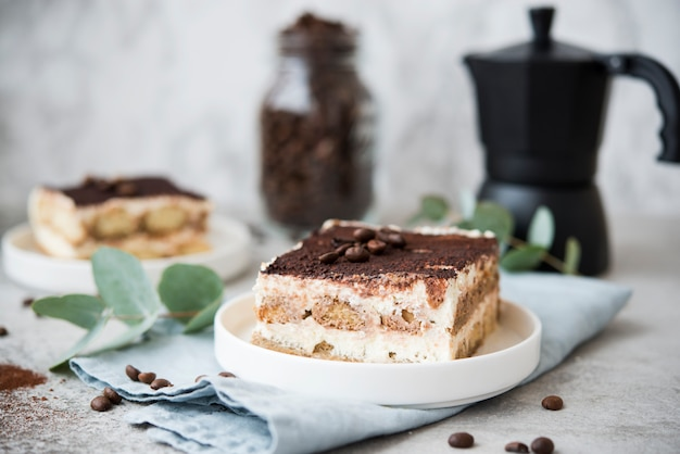 Bolo caseiro de tiramisu. sobremesa italiana clássica