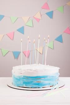 Bolo de aniversário ainda vida