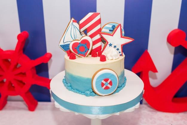 Bolo de aniversário no estilo de um marinheiro
