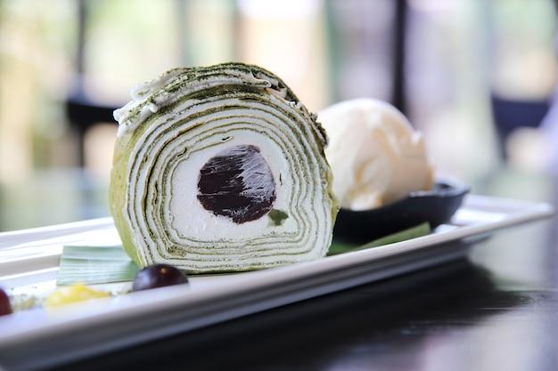 Bolo de chá verde com sorvete
