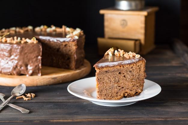 Bolo de chocolate. bolo austríaco tradicional. bolo sacher café da manhã. hora do café. natal